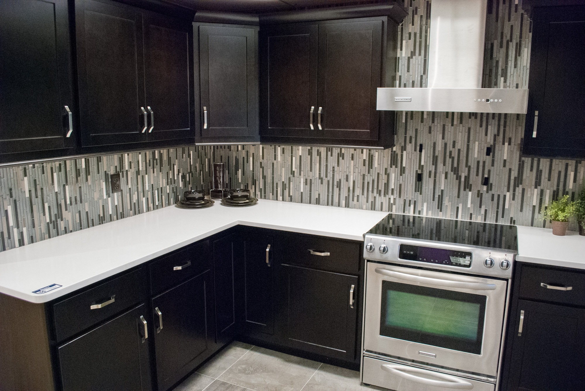 in stock georgetown maple onyx cabinetry schillings rh schillings com Onyx Kitchen Cabinets Backlit Onyx Wall