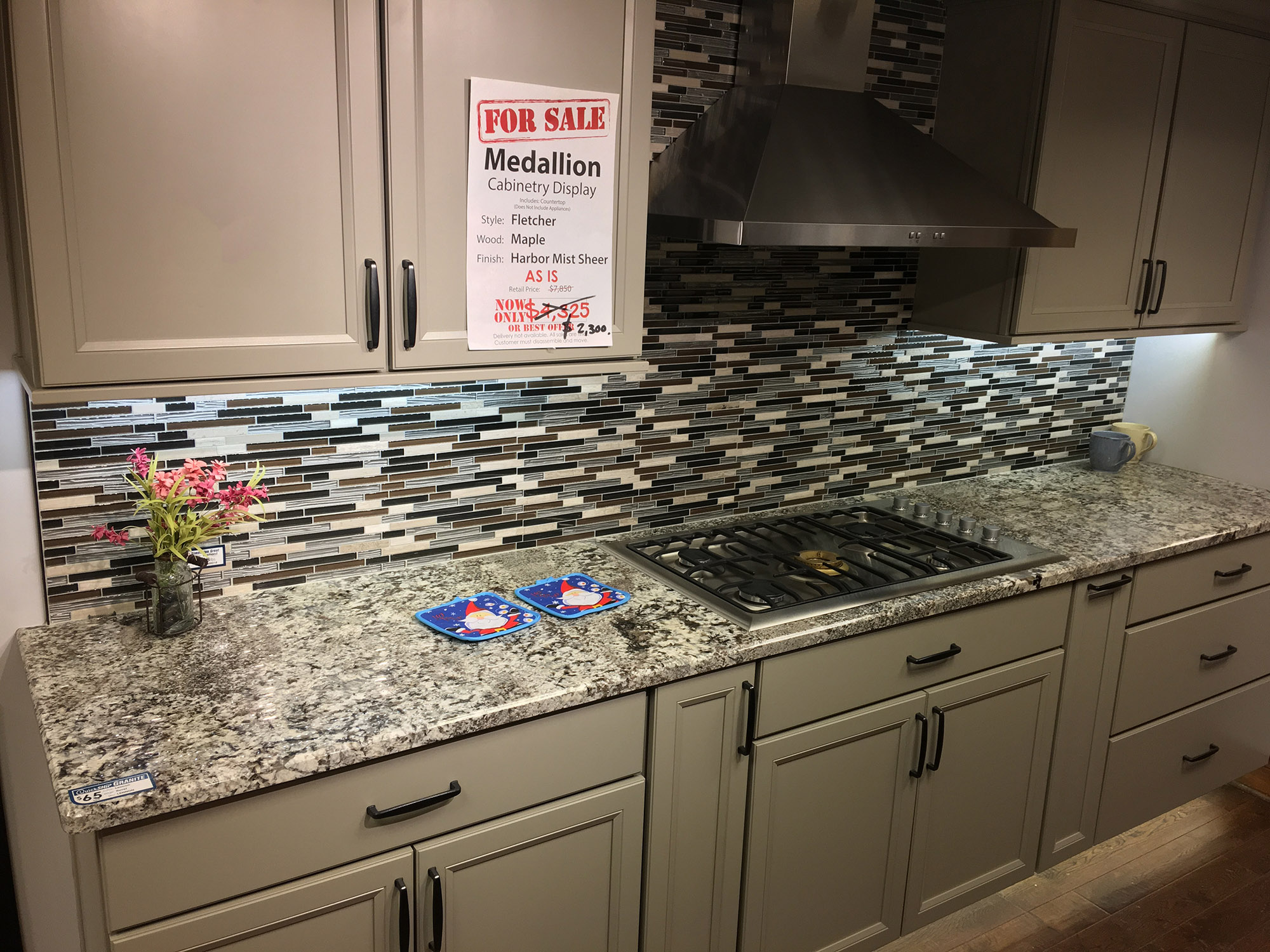 Floors And Kitchens St John Cabinetry Display Blowout Sale Schillings
