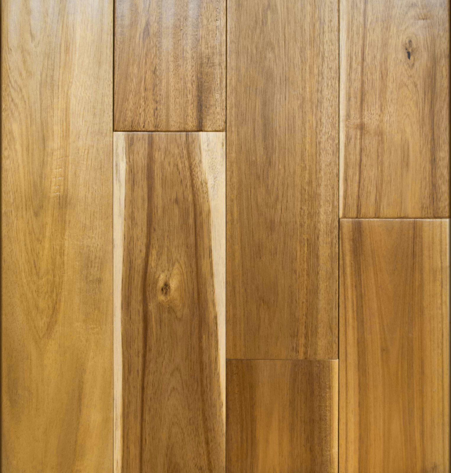 Wide Leaf Acacia Natural Light Hand Sed Flooring