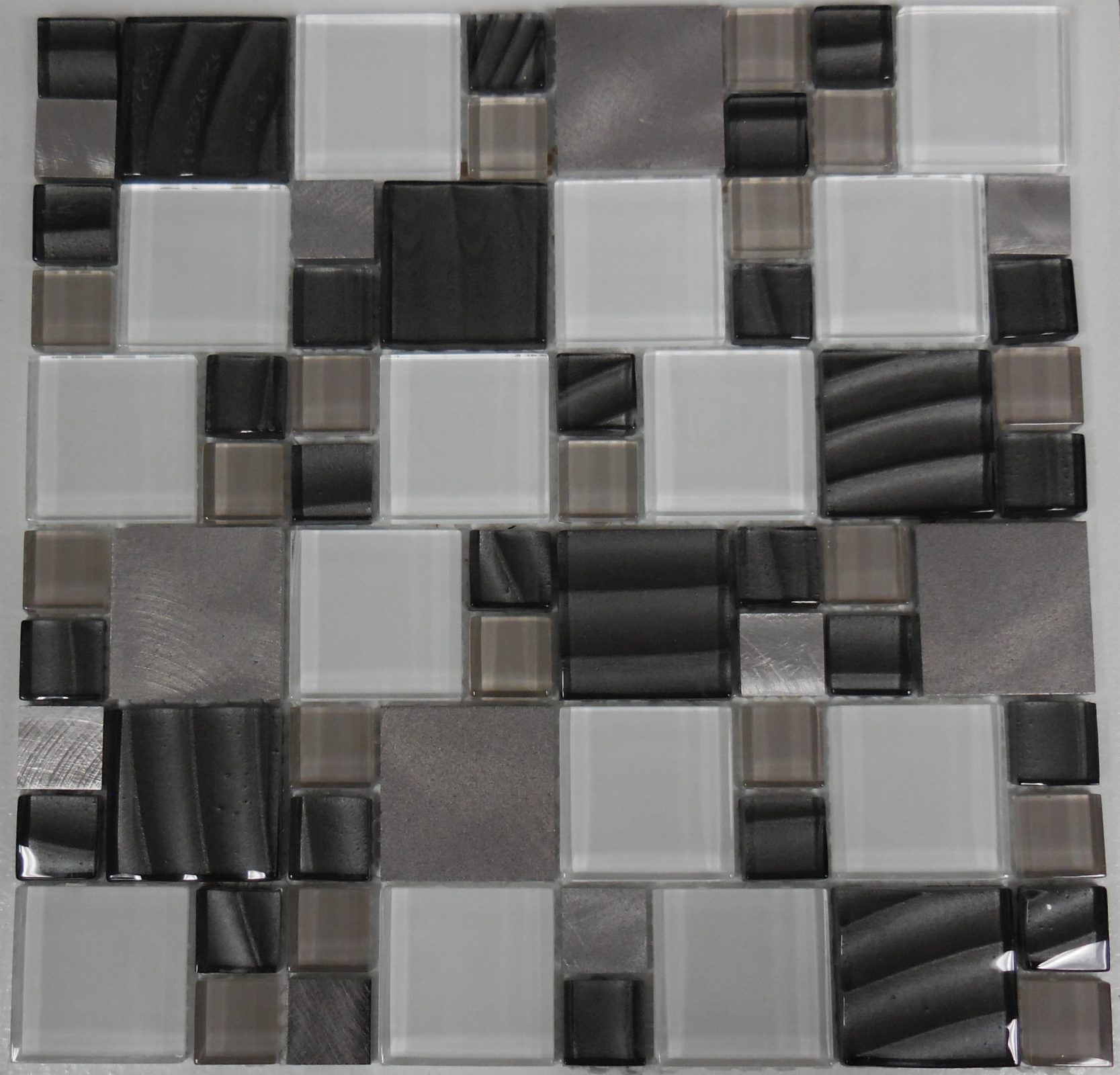 Al1725 Magnificent Modular Series Block Random Glass And Metal